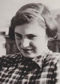Twelve-year-old Gita before the transport to Terezín, 1941