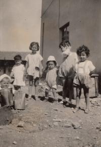 školka - dětský domov- v izraelském kibucu cca 1929
