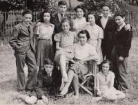Wintonovy děti srpen 1941, Asaf dole, bratr nepřítomen