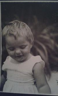Věra Nováková v dětství