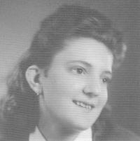 Slávka Ficková v červnu 1945