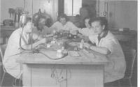Zubní laboratoř, Slávka Ficková vzadu, Chomutov 1948