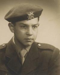1952-55; Žižkárna - vojenská škola