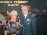 Na devadesátých narozeninách generála Peřiny s plk.Horalem