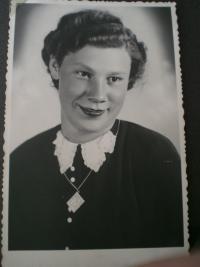 1943 Helena Vovsová