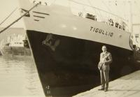 Trubáček ve starém přístavu v Janově roku 1970