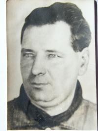 tatínek Josef Doležal na nedatované předválečné fotografii