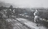 Vojáci 1. čs. armádního sboru v SSSR  při cestě do pilotní školy v Gruzinském městě Telavi