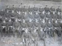 Vojáci 1. čs. armádního sboru v SSSR na výcviku v pilotní škole v Gruzinském městě Telavi- Jiří Fochler vrchní řada čtvrtý zleva (černá tečka)
