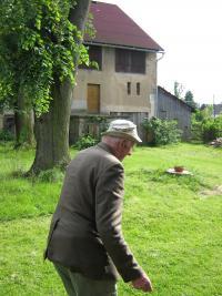 Vladimir Beran on the backyard of his farmstead in Stará Červená Voda (2010)