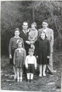 Bratr Pavel Čížek a bývalý manžel Rudkovský s dětmi