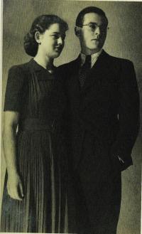 S prvním manželem Bedřichem Sternem, 1940
