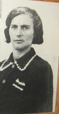 Maminka pamětnice Soňa Rivcová(Chýšová)-1938-Luck