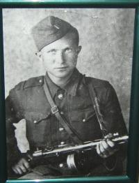 Manžel- Adam Esterkés v československém sboru-1944