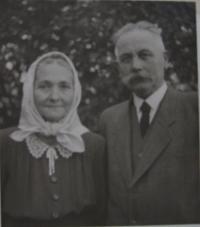 Rodiče Aloise Franka-Alois a Josefa (Opravilová)
