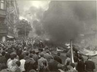 1968, srpen, požár muničního vozu před Rozhlasem
