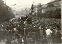 1968, srpen, Václavské náměstí, pod Muzeem