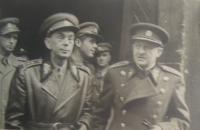 Jan Malášek za generálem Klapálkem, Praha 1945