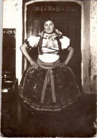 Magdalena Czehowská v chorvatském kroji