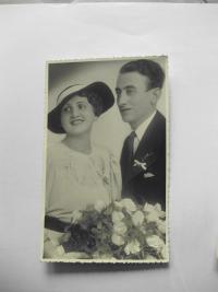 Svatební fotografie rodičů