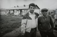 Ladislav Goral v romské osadě v okolí Levoči