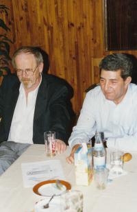 S romistou Pavlem Pekárkem, začátek 90. let (L. Goral vpravo)