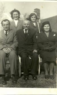 Family Šalamun with grandfather