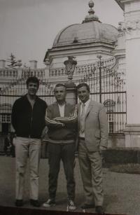 V Buchlovicích, zprava Pavlos Kevrekidis, Kleanthis Vikelidis, trenér FC Aris Soluň, režisér Georgos Agathokiniadis