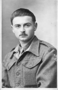 Miroslav Fišer v Československé samostatné brigádě ve Francii v roce 1945 (2)