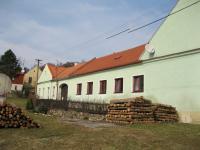 Hospodářství Bičovských v Petrůvce v březnu 2011
