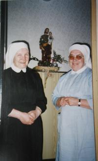 Sestra Dobromila a sestra Bohumíra v Kroměříži