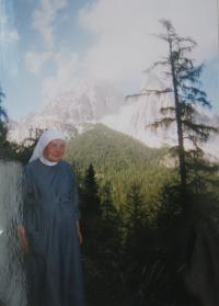 Sestra Dobromila na dovolené v Dolomitech