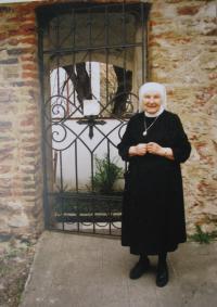 Sestra Dobromila v Kroměříži, rok 2000