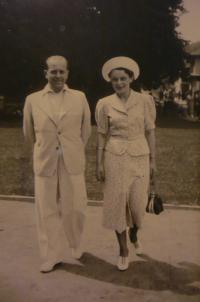 S prvním manželem Jiřím Švarcem