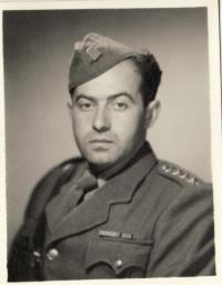 kpt. Karel Vaš v roce 1946 (možná 1947)