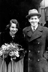 Svatební fotografie Hany s Alešem Bořkovcem - 1946