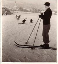 Skiing during a PE lesson in Zlín, 1934-5