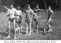 Tábor Zkoušky, r.1960. Zleva: Pikta, Sokolí oko, Malý Medvěd, Letící Šíp a Šošon