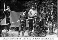 Tábor Dešťů, rok 1961. Zleva Malý Medvěd, Orko, Šedý vlk, Sokolí oko a Letící Šíp