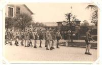 Grizzly s oddílem v květnu 1946