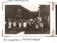 Oblastní lesní škola Jiráskovy oblasti - srpen 1946 - br. Komárek a frekventanti