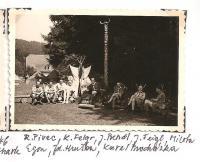 Oblastní lesní škola Jiráskovy oblasti - srpen 1946 - R. Pivec, K. Felgr, J. Bendl, J. Feigl, Milota, Egon, Zd. Hruška, Karel Procházka