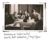 Oblastní lesní škola Jiráskovy oblasti - srpen 1946 - hodnocení zápisníků (Shark, Břet. Komárek, J. Feigl, Egon)