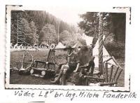 Oblastní lesní škola Jiráskovy oblasti - srpen 1946 - Vůdce lesní školy br. Ing. Milota Fanderlík