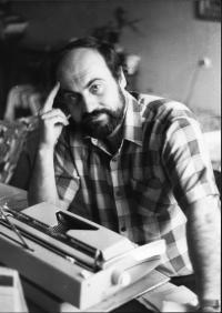 Tomáš Halík při práci v roce 1978