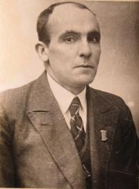 Otec pamětnice Josef Marek, který byl zavražděný 20. dubna 1945 v lese u samoty Kyjanice spolu se synem Drahomírem a dalšími sedmnácti muži