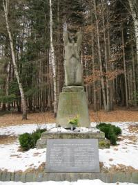 Zákřovský žalov-na tomto místě  u samoty Kyjanice bylo 20. dubna 1945 zavražděno a upaleno 19 nevinných mužů-březen 2011
