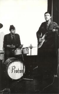 Jaromír Ulč, bubeník v kapele Proton
