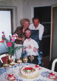 Rodina při šedesátinách manžela Juliuse, 1995-Šumperk
