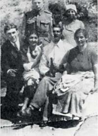 Bratranec Eduard s rodiči a sestrami - všichni zahynuli v Osvětimi